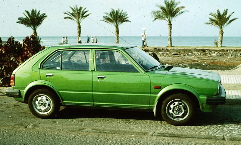 800px-Honda_Civic_second_version_5_doors