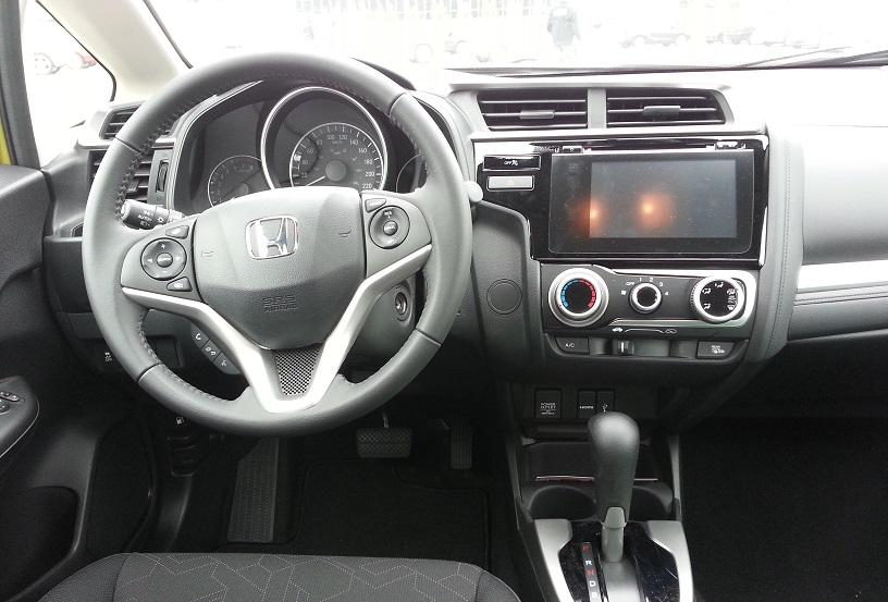 Honda-Fit-2015-interieur