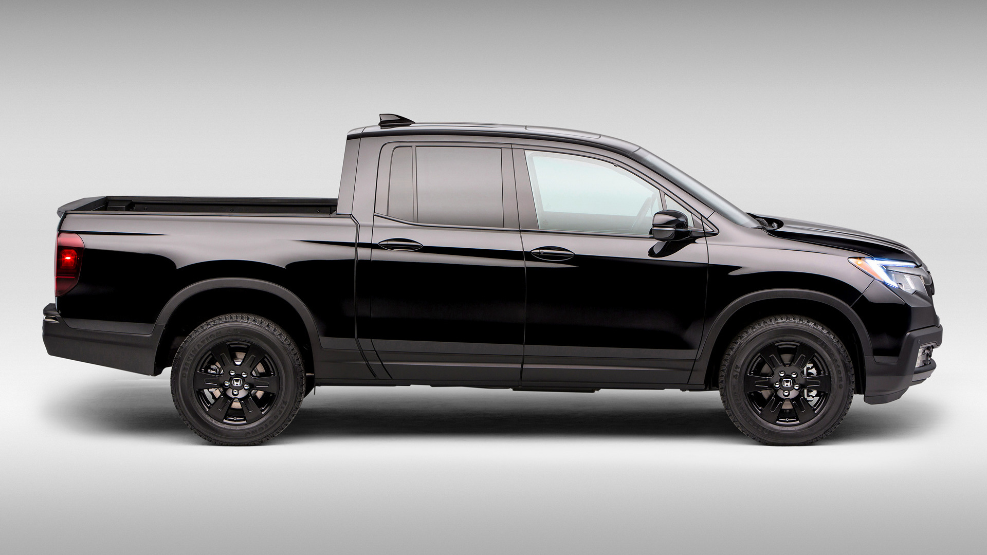 Ridgeline 2017 Black Edition